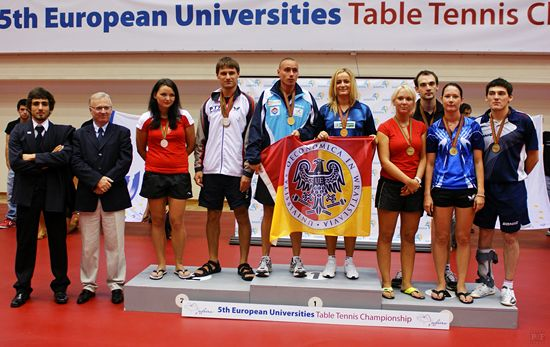 Awarding of medals for Mixed doubles