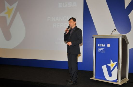 EUSA Treasurer Mr Olaf Tabor presented the Financial report