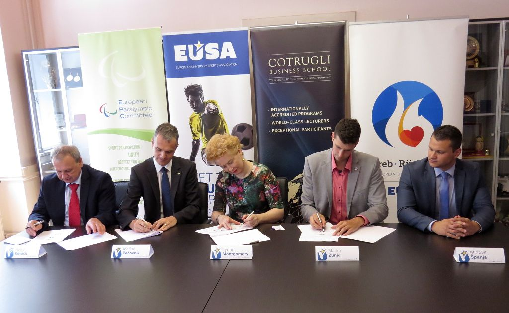 Partners signing the cooperation agreement