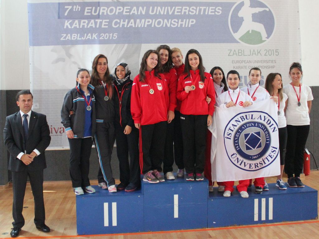 Female teams medallists