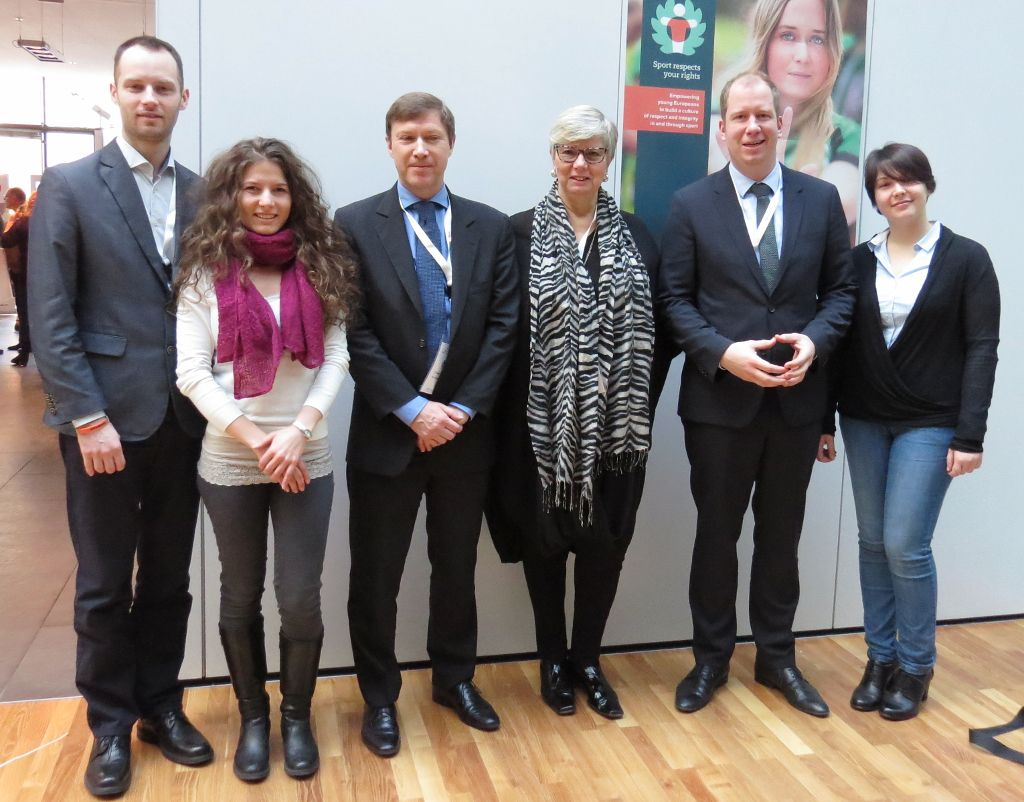 Representatives of EUSA, ENGSO, ENGSO Youth and the European Commission