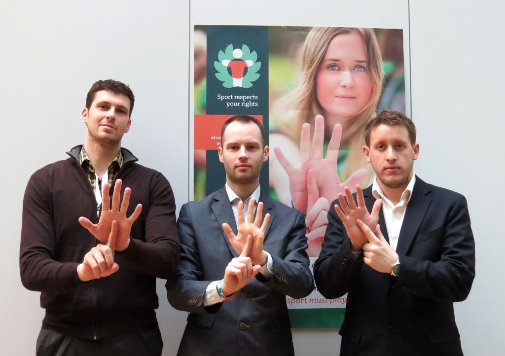 Representatives of EUSA and EUG2016 showing support to the 1 in 5 campaign