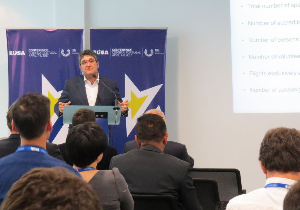 Mr Paulo Lourenco presenting Euro2004