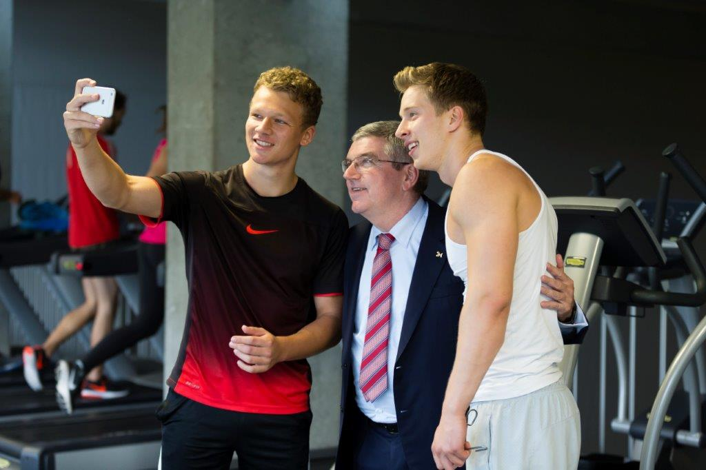 University of St Gallen students with IOC President