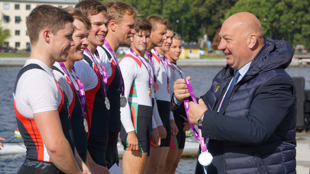 Rowing medals ceremony