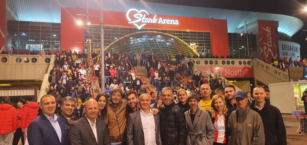 Delegation in fron of the Stark Arena